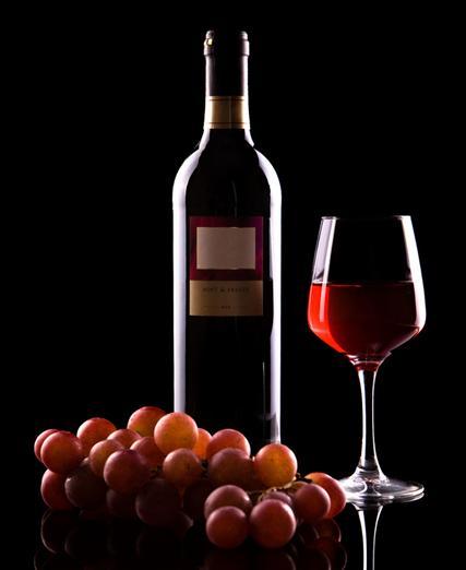 臭鸡蛋味——这是葡萄酒发酵过程中硫化氢的气味,也是酿酒工艺低劣的